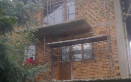 вътрешни ремонти и саниране на къщи и блокове