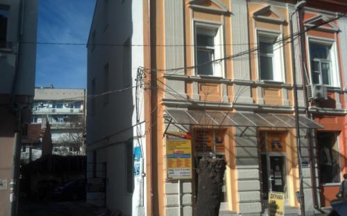 евтина топлоизолация за Враца - къща на площад Благоев